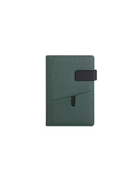 agende-giornaliere-cm-15x21-con-tasche-anteriori-e-chiusura-con-magnete-sabato-e-domenica-abbinati-verde.jpg